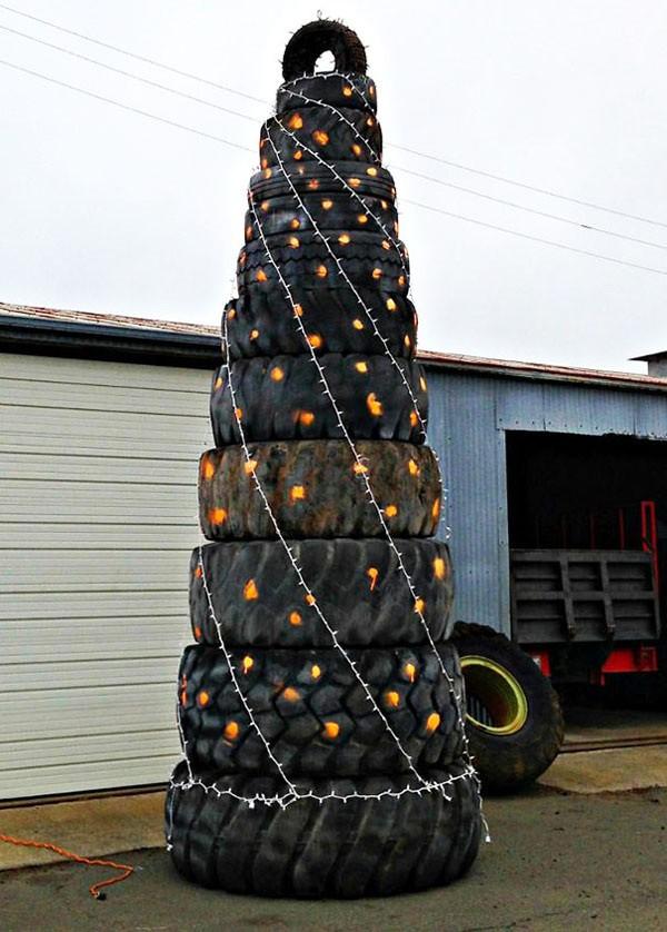 χριστουγεννιάτικο δέντρο λάστιχα